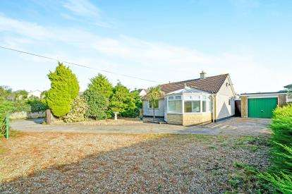 2 Bedrooms Bungalow for sale in Blackwater, Truro, Cornwall
