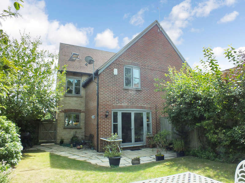 4 Bedrooms Semi Detached House for sale in Southmoor