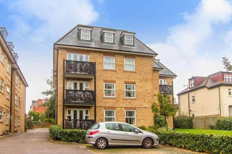 2 Bedrooms Flat for sale in Station Road, High Barnet, EN5