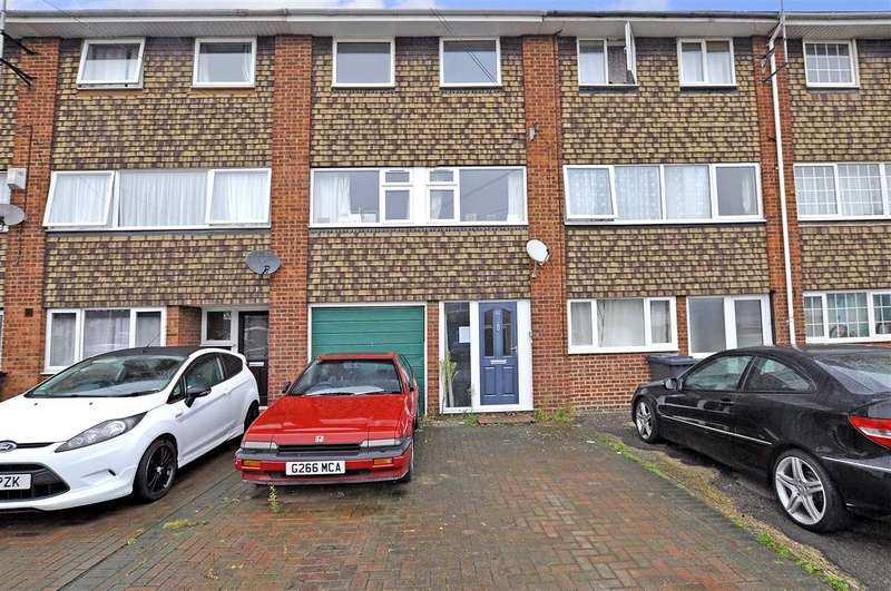 3 Bedrooms Town House for sale in Sunrise Avenue, Chelmsford