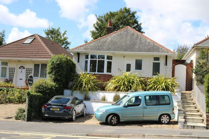 2 Bedrooms Bungalow for sale in BH14 OAKDALE, Poole
