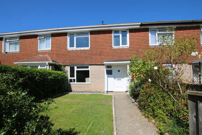 3 Bedrooms Terraced House for sale in Solent Close, Lymington, Hampshire