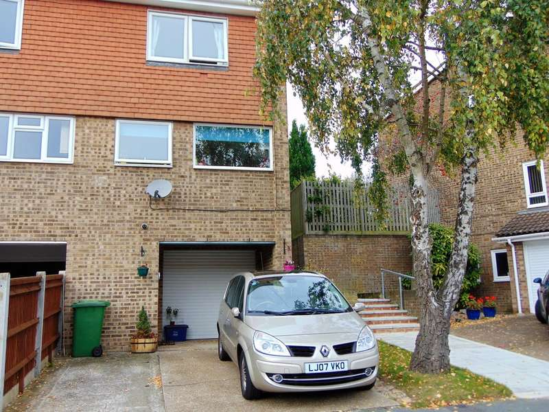 3 Bedrooms End Of Terrace House for sale in Sorrel Bank, Linton Glade, Croydon, CR0 9LW