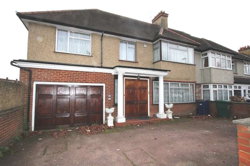 5 Bedrooms Semi Detached House for sale in Edgwarebury Gardens, Edgware, Greater London. HA8 8LL