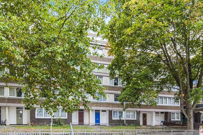 3 Bedrooms Flat for sale in Burritt Road, Kingston Upon Thames, KT1