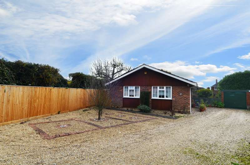 3 Bedrooms Detached Bungalow for sale in Straight Bit, Flackwell Heath, HP10