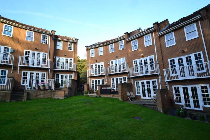 4 Bedrooms Terraced House for sale in Bournemouth