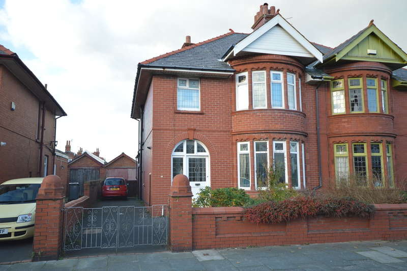 3 Bedrooms Semi Detached House for sale in Broadway, South Shore
