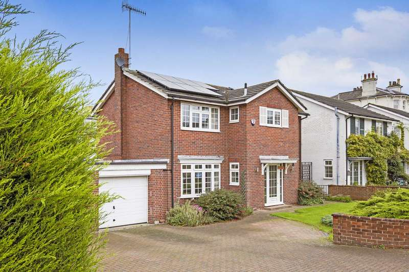 4 Bedrooms Detached House for sale in Park Road, Southborough