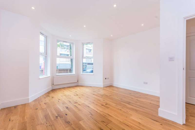 2 Bedrooms Flat for sale in Lordship Lane, Wood Green, N22