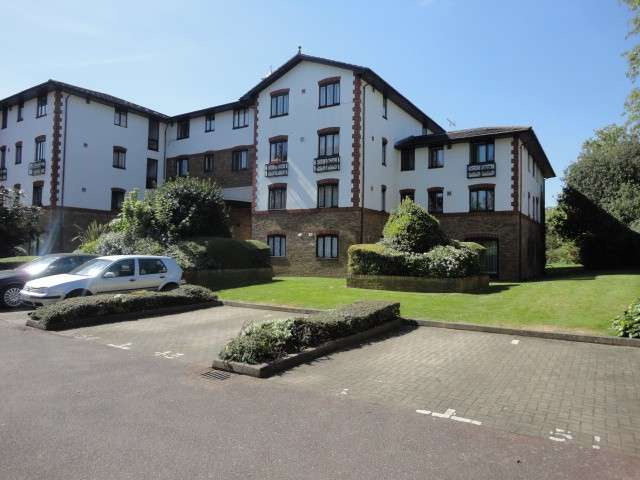 2 Bedrooms Flat for sale in The Beeches, 200 Lampton Road, Hounslow, TW3