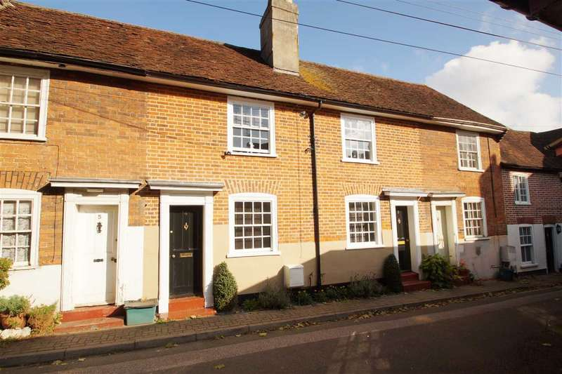 3 Bedrooms Cottage House for sale in Greens Yard, North Hill, Colchester