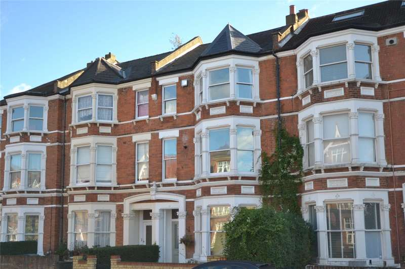 3 Bedrooms Apartment Flat for sale in Stapleton Hall Road, Stroud Green, London, N4