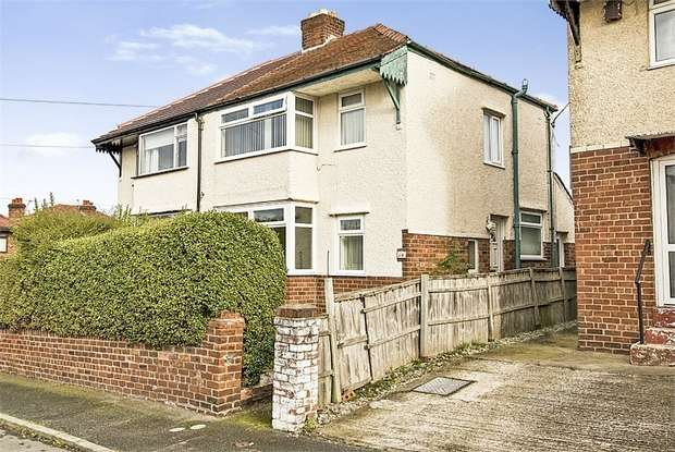 3 Bedrooms Semi Detached House for sale in Henley Avenue, Connah's Quay, Deeside, Flintshire