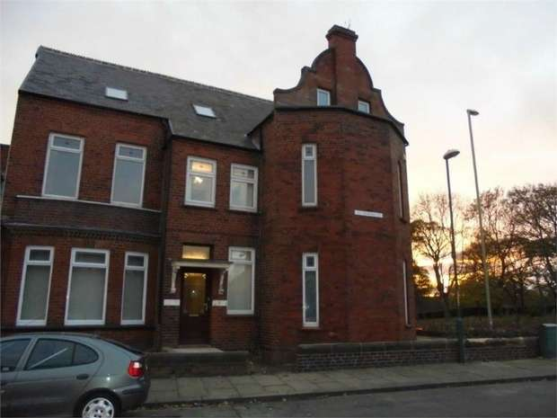6 Bedrooms Semi Detached House for sale in St Oswins Street, South Shields, Tyne and Wear