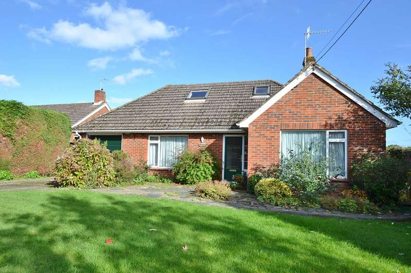 2 Bedrooms Detached Bungalow for sale in Lover
