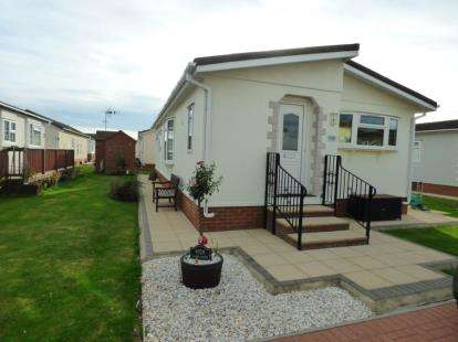 Mobile Home for sale in Creek Road, Canvey Island, Essex