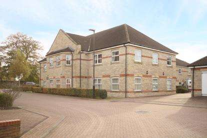 3 Bedrooms Flat for sale in Folkwood Grove, Sheffield, South Yorkshire