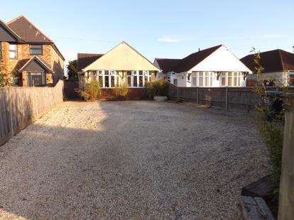 4 Bedrooms Bungalow for sale in Gosport, Hampshire