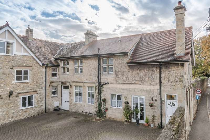 2 Bedrooms Town House for sale in Library Lodge, Tetbury