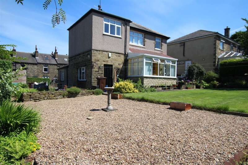 4 Bedrooms Detached House for sale in Beaconsfield Road, Clayton, BD14 6LQ