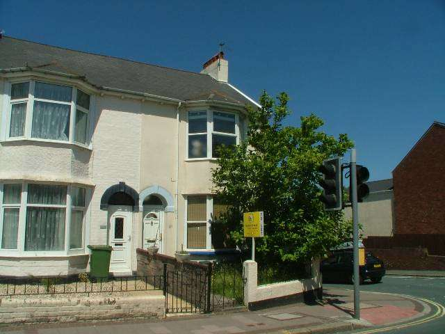 4 Bedrooms House for rent in Fore Street, Heavitree, Exeter