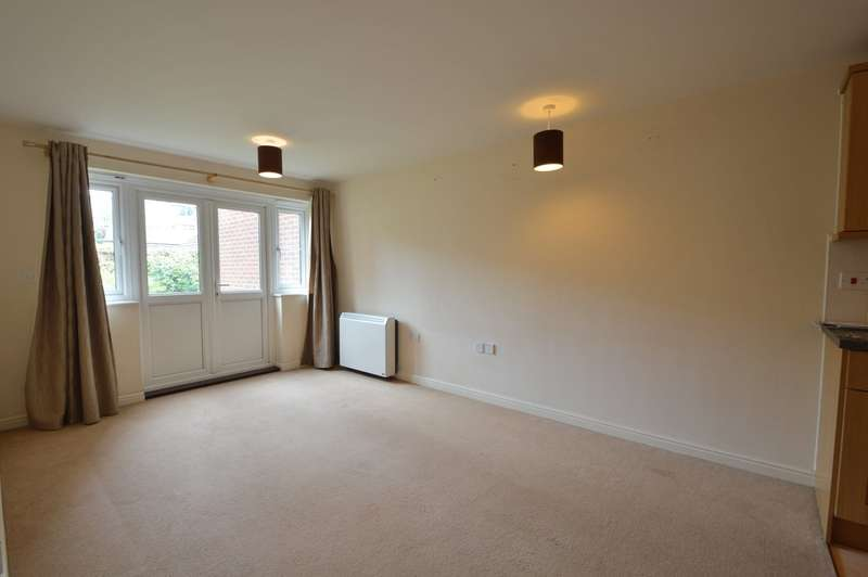 1 Bedroom Flat for sale in Hiltingbury Road, Chandler's Ford