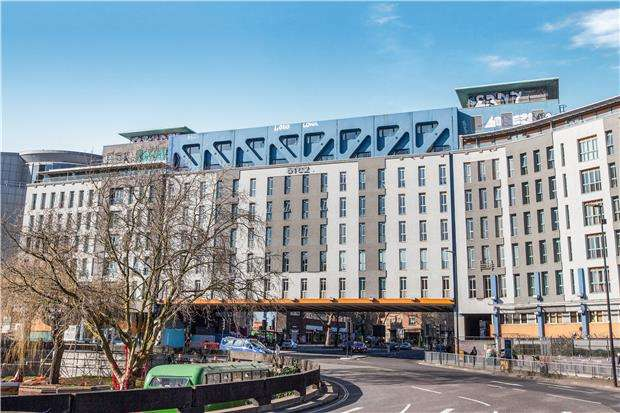 2 Bedrooms Flat for sale in 51.02 Apartments, St. James Barton, BRISTOL, BS1 3LY
