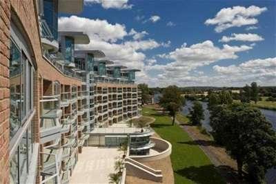 3 Bedrooms Flat for rent in River Crescent, Nottingham, NG2 4RH