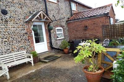 2 Bedrooms Cottage House for rent in Mundesley NR11 8BN