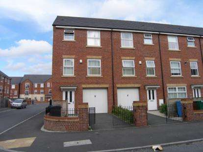 House for sale in Cardinal Street, Cheetham Hill, Manchester, Greater Manchester