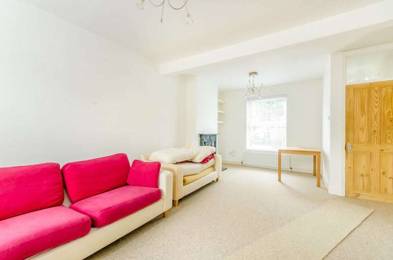2 Bedrooms House for rent in Morley Avenue, Wood Green, N22