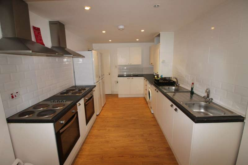 8 Bedrooms House for rent in May Street, Cathays, Cardiff