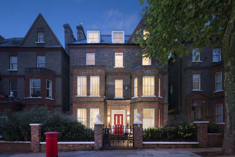 5 Bedrooms Detached House for sale in Netherhall Gardens, Hampstead