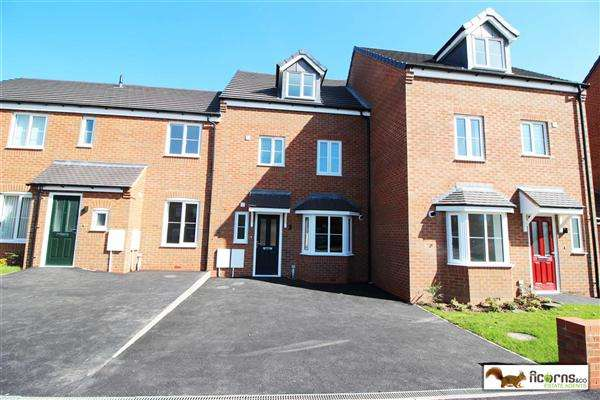 4 Bedrooms Terraced House for rent in Spring Lane, Walsall