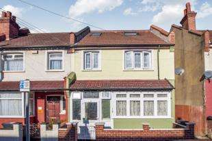 4 Bedrooms End Of Terrace House for sale in Penshurst Road, Thornton Heath
