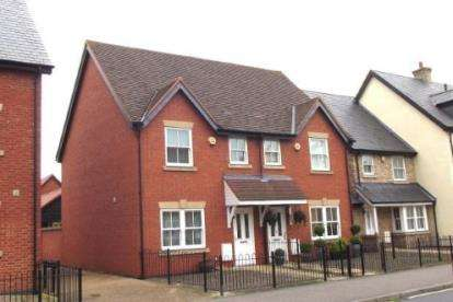 3 Bedrooms Semi Detached House for sale in Shortmead Street, Biggleswade, Bedfordshire