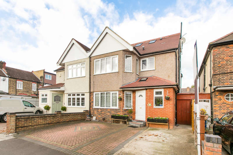 5 Bedrooms Semi Detached House for sale in Cloister Road, London