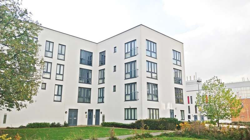 2 Bedrooms Apartment Flat for sale in Penn Way, Welwyn Garden City, AL7