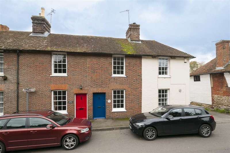 2 Bedrooms Terraced House for rent in Church Cottages, The Street, Egerton