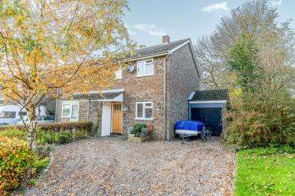 3 Bedrooms Semi Detached House for sale in Peveril Road, Greatworth, Northamptonshire, Uk