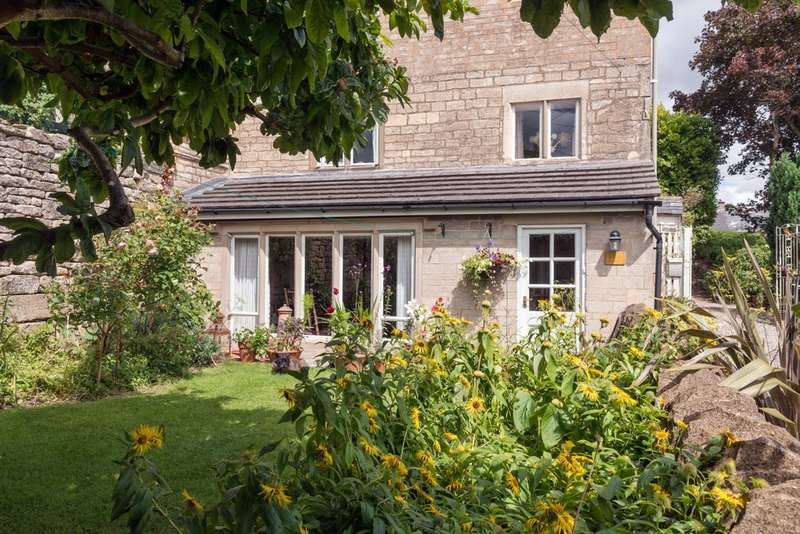 2 Bedrooms End Of Terrace House for sale in Chalford Hill