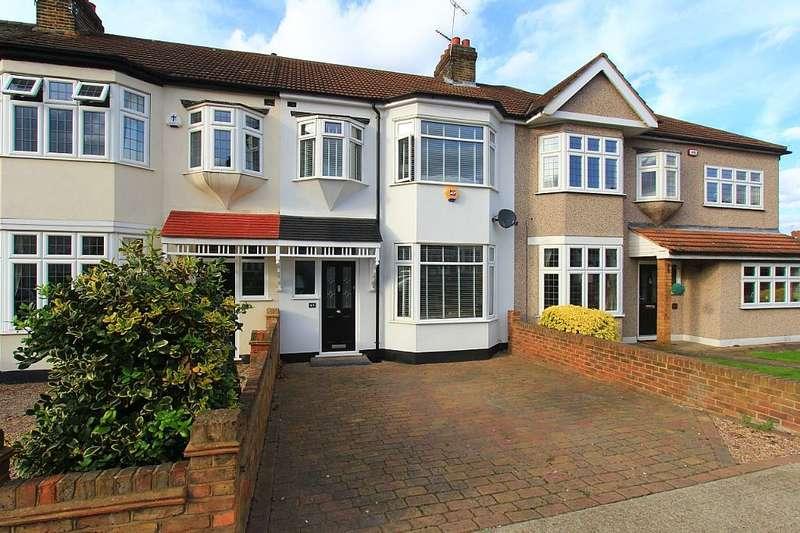 3 Bedrooms Terraced House for sale in Carlton Road, Gidea Park, London, RM2