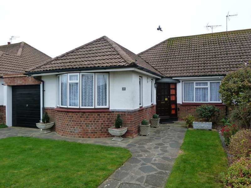 2 Bedrooms Semi Detached Bungalow for sale in Warren Drive, Broadstairs