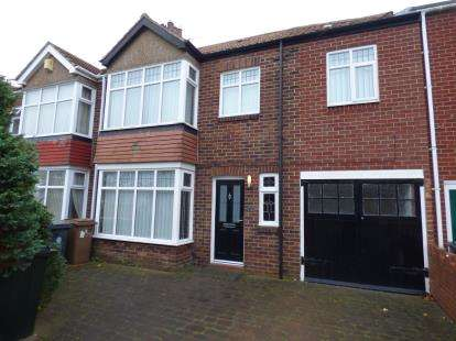3 Bedrooms Terraced House for sale in Marina Drive, Whitley Bay, Tyne and Wear, NE25