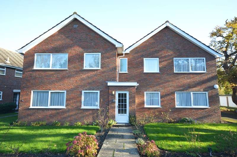 3 Bedrooms Property for sale in Mariners Court, Lymington