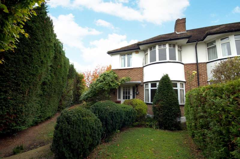 3 Bedrooms Semi Detached House for sale in Coombe