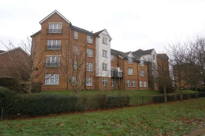 2 Bedrooms Flat for sale in Greenhaven Drive, Central Thamesmead, London, SE28