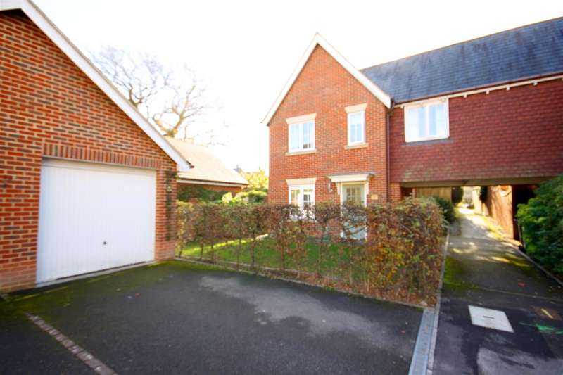 4 Bedrooms Detached House for sale in Hatchmore Road, Waterlooville