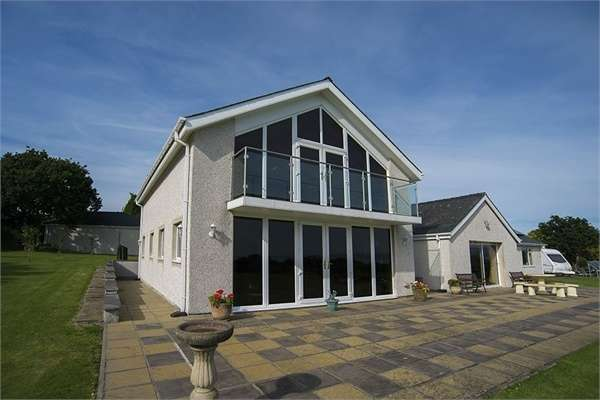 5 Bedrooms Detached House for sale in Chwilog, Pwllheli, Gwynedd